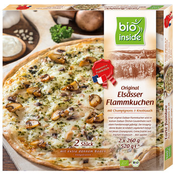 French tartes flambées with mushrooms and garlic